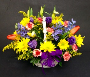 Designer's Choice Spring Basket from Gilmore's Flower Shop in East Providence, RI
